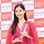 新木優子 幼い頃から宝石好き、コロナ禍でも「自分らしさを教わった」