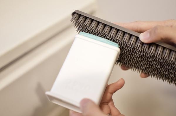 プラタワ・フォーバスにウタマロ石鹸を塗る