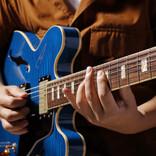"""「久々に夢中になってギターを練習しています」 """"ネオ・ソウル・ギター""""が注目されている理由"""