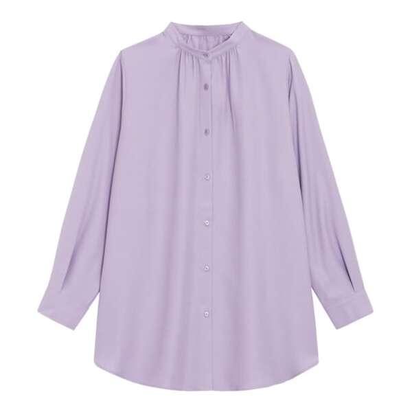 くすみパープルのバンドカラーロングシャツ