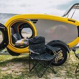 調理も寝泊まりも快適。未来的で可愛いアイスランド製のキャンプ用トレーラー「Mink Camper」