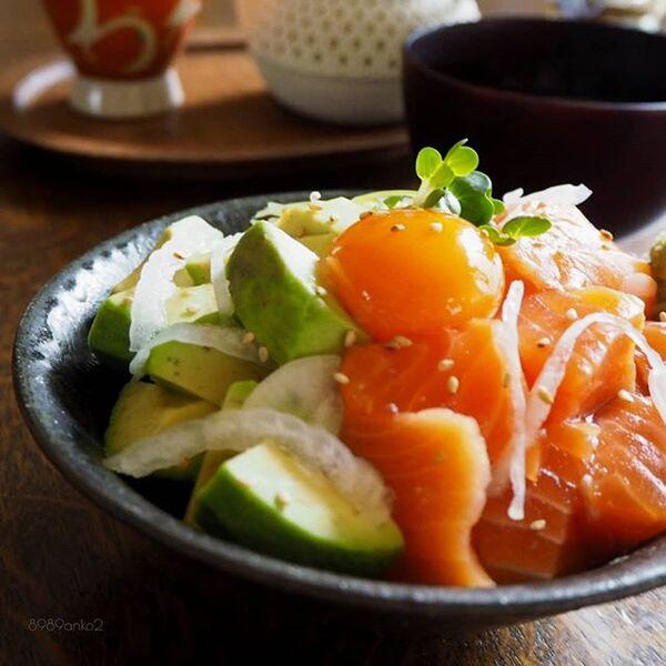 アレンジ料理!サーモンのアボカド丼