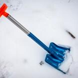 雪山登山の初心者に「携帯用シャベル」をすすめたい理由。軽量&コンパクトなのに頼もしすぎる|マイ定番スタイル
