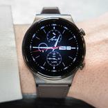 スマートウォッチは欲しいけど「時計らしいフォルム」は捨てたくない。ならばこれ、プレミアムな素材感でフォーマルにも使える「HUAWEI WATCH GT 2 Pro」