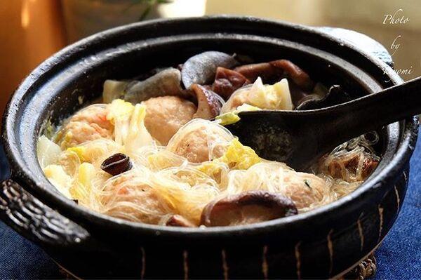 出汁で満足♪鶏団子と干し椎茸の豆乳鍋レシピ