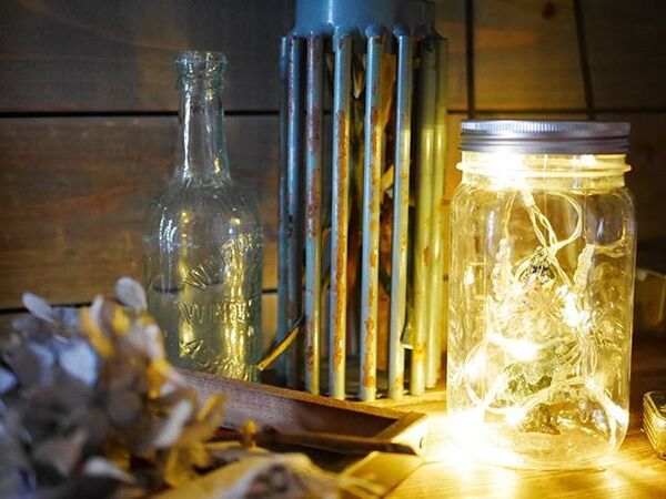 空き瓶を季節のインテリアにリメイク