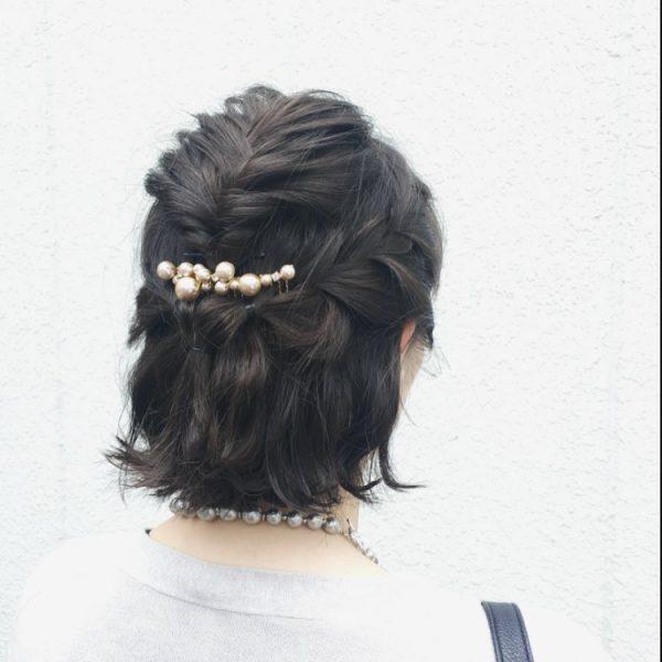 卒業式に♪母親向けの髪型「編み込みショート」