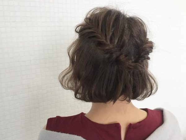 卒業式に♪母親向け髪型「フィッシュボーンショート」