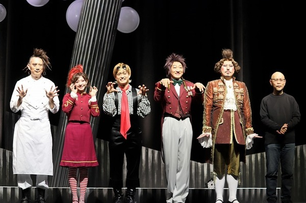 (左から)細見大輔、菅原りこ、塚田僚一、辰巳琢郎、田村雄一、鈴木勝秀