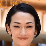 冨永愛 かつてパリコレで着用ドレス写真披露も「重そう」「バルタン星人」と驚きの声