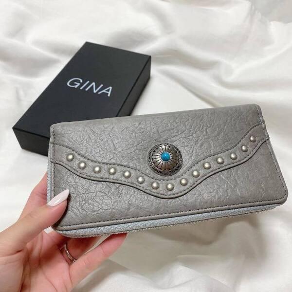 ジーナのコンチョ付き財布