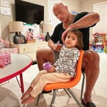 ドウェイン・ジョンソン、2歳娘の髪をブラッシングする姿に「これぞ理想のパパ」