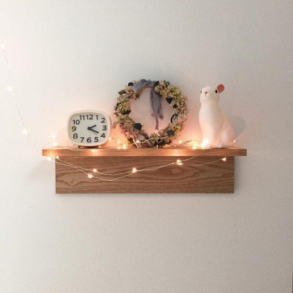 シンプルな棚でできる小物収納アイデア