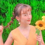 小松彩夏、向日葵片手に夏っぽい写真に「ビーナス発見」