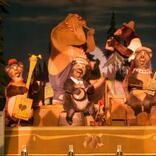 18頭のクマたちの演奏にうっとり♪ 東京ディズニーランド®オープンから愛され続けるアトラクション『カントリーベア・シアター』をレポート
