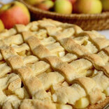 ぺこ、初のアップルパイに「白雪姫のパイみたい!」