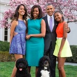 オバマ元大統領、妻&愛娘達へのバレンタインのメッセージに称賛の声「最高のマイホームパパ」