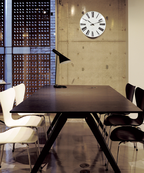 [NORDIC Feeling] Arne Jacobsen / アルネ・ヤコブセン   Clock 43642(Roman 290mm)