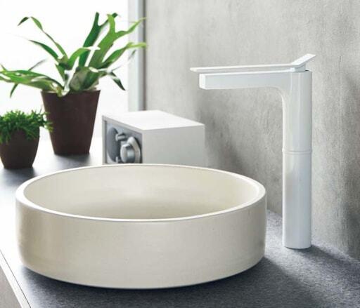 SANEIの「YORI SUTTO(ヨリ スット)シングルワンホール洗面混合栓」