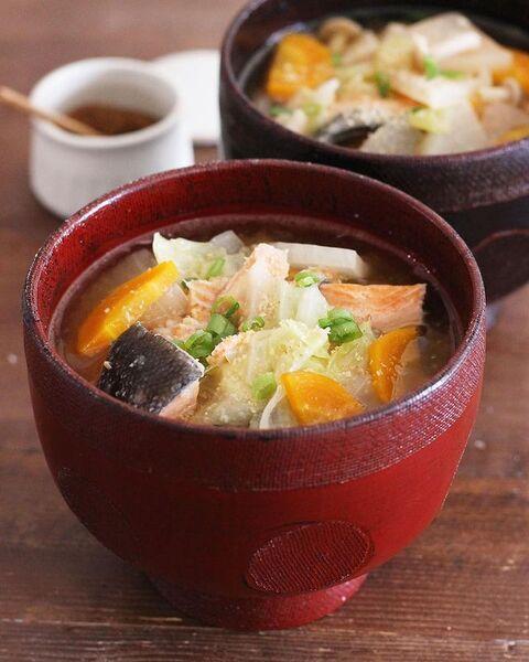 簡単で美味しい和食☆鮭のあら汁のレシピ