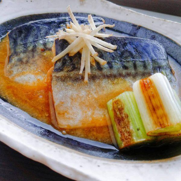 夕食の人気おかずは和食の鯖の味噌煮