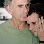 チャップリン『キッド』から着想 『旅立つ息子へ』親子の愛と絆にあふれる新カット