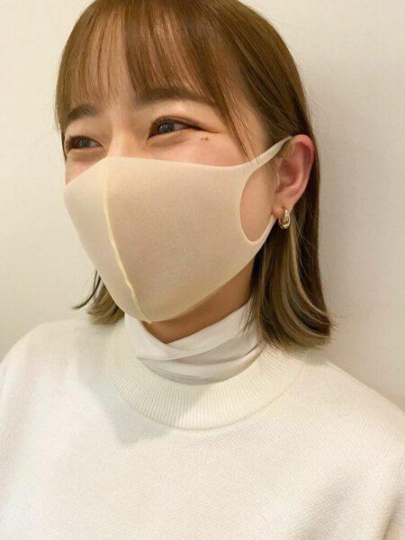 マスクに似合うイヤリングカラーのボブ
