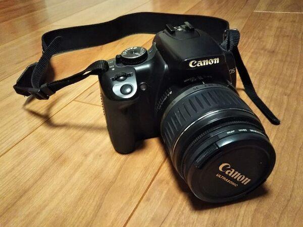 かつての愛用品。カメラにこだわり続ける人もいれば、手放す人もいる