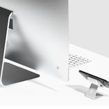 スタンド付き10Wワイヤレス充電器に「iMacの子分」っぽさを感じる
