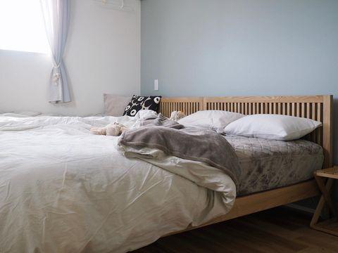 シンプルで心地よいベッドルーム