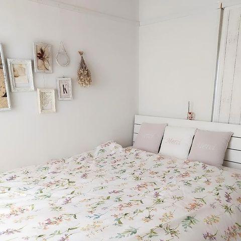 フレンチカントリーな寝室レイアウト