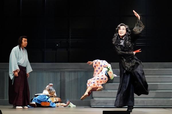 (左から)古田新太、木野花   撮影:田中亜紀