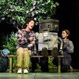 ロボットは本物? 人形? 劇団四季が舞台で吹き込む命とは?