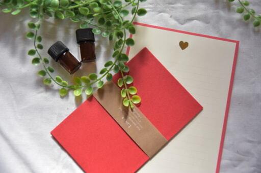 精油と赤色のレターセット
