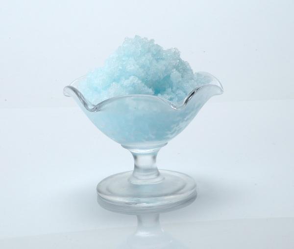 出来上がったカキ氷は空気を含んでいるためフワフワの食感で香りが良いのが特徴。