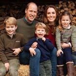 ジョージ王子、シャーロット王女、ルイ王子からダイアナ妃へ 愛らしい母の日カードを公開