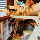 子ども用の椅子を購入。歯科医の助言「食事はしっかり足をつきながら」がきっかけに