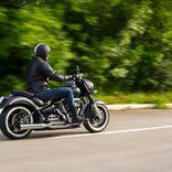 なぜかかっこよく見える「大型バイクに乗るデブ」ハーレーとは特に好相性