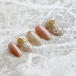 指に桜咲く。ALL100均でシアーで美しい『大人桜ネイル』が完成!
