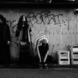 首振りDolls、アルバム『ドラマティカ』発売記念の個展ライブを開催
