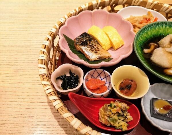 大阪・難波「象印食堂」華御膳2