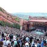 米人気野外コンサート会場レッド・ロックス・アンフィシアター、約25%のキャパで営業再開へ