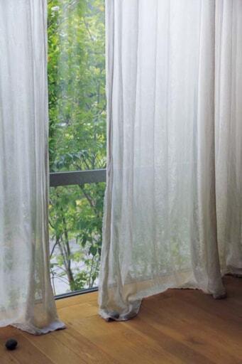 リベコの麻のカーテン