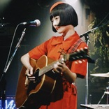 "CDではなく""カセットテープ""でデビュー。女子大生シンガーの昭和愛"