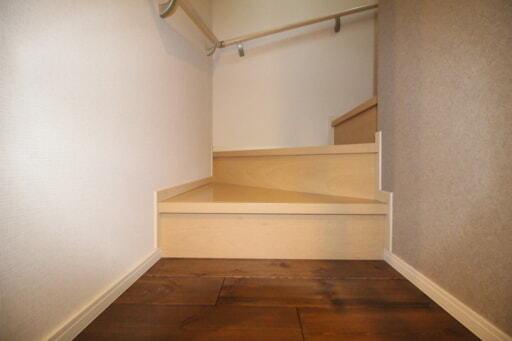 既存のまま残した階段