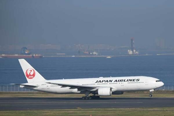 JAL(ボーイング777-200型機、JA8979)