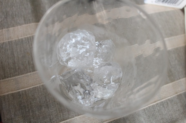 スムージーの材料の氷
