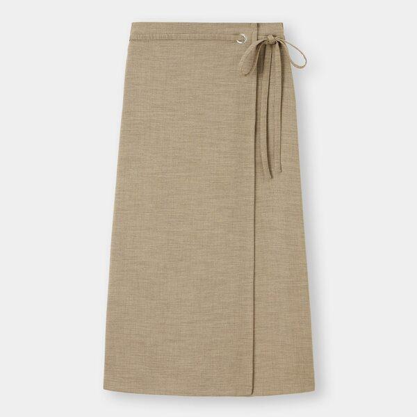 GUのラップナロースカートの写真