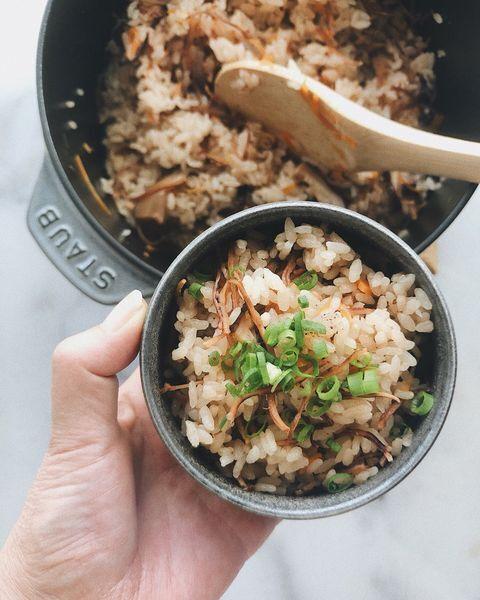 いかめし、鍋炊き、ネギ、イカ、ご飯。