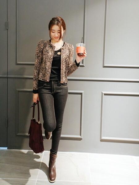 スキニーデニムのジャケットスタイル 出典:WEAR